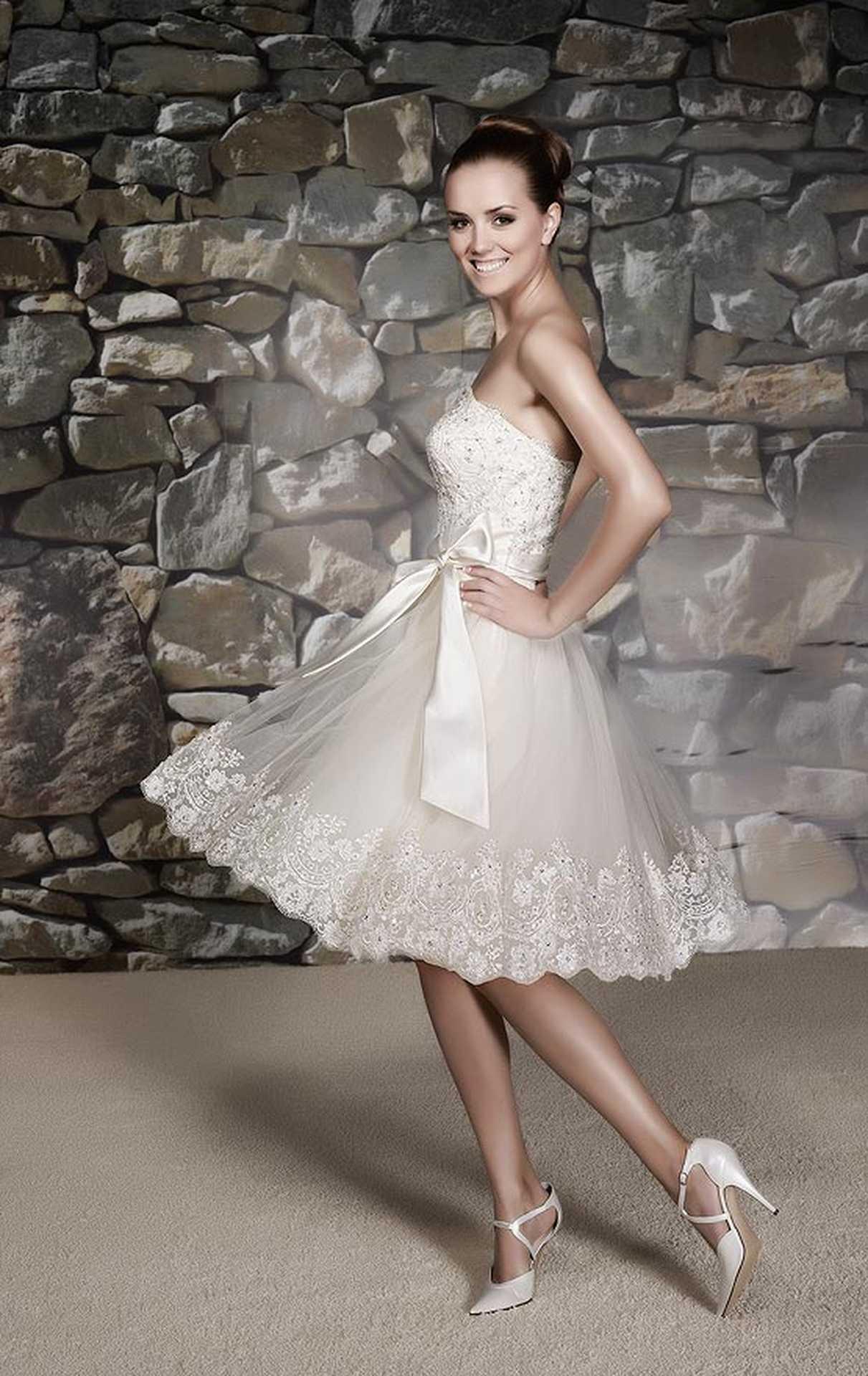 2323d2e7893 Короткие свадебные платья