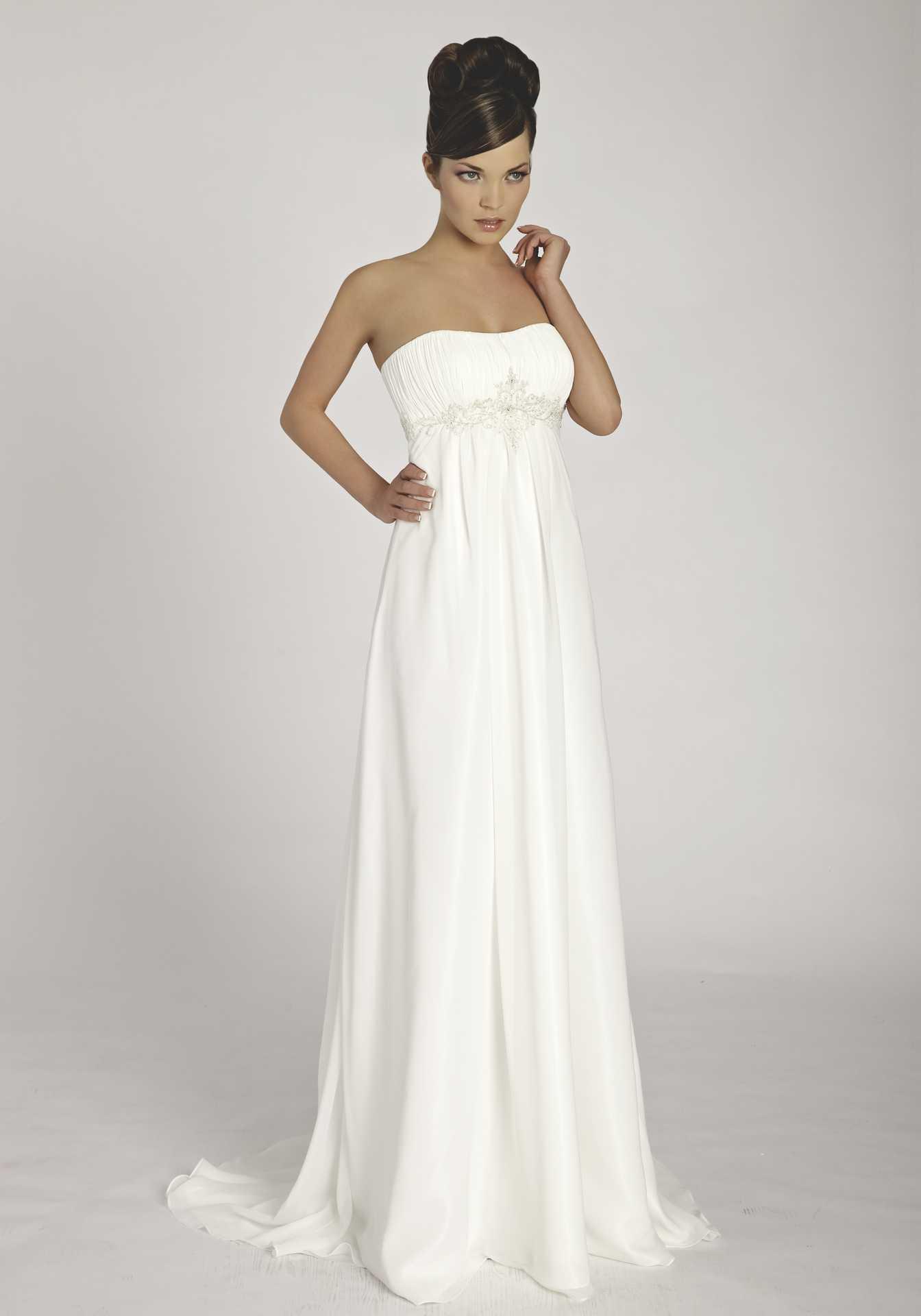 новогодние недорогие платья для средних женщин 2011