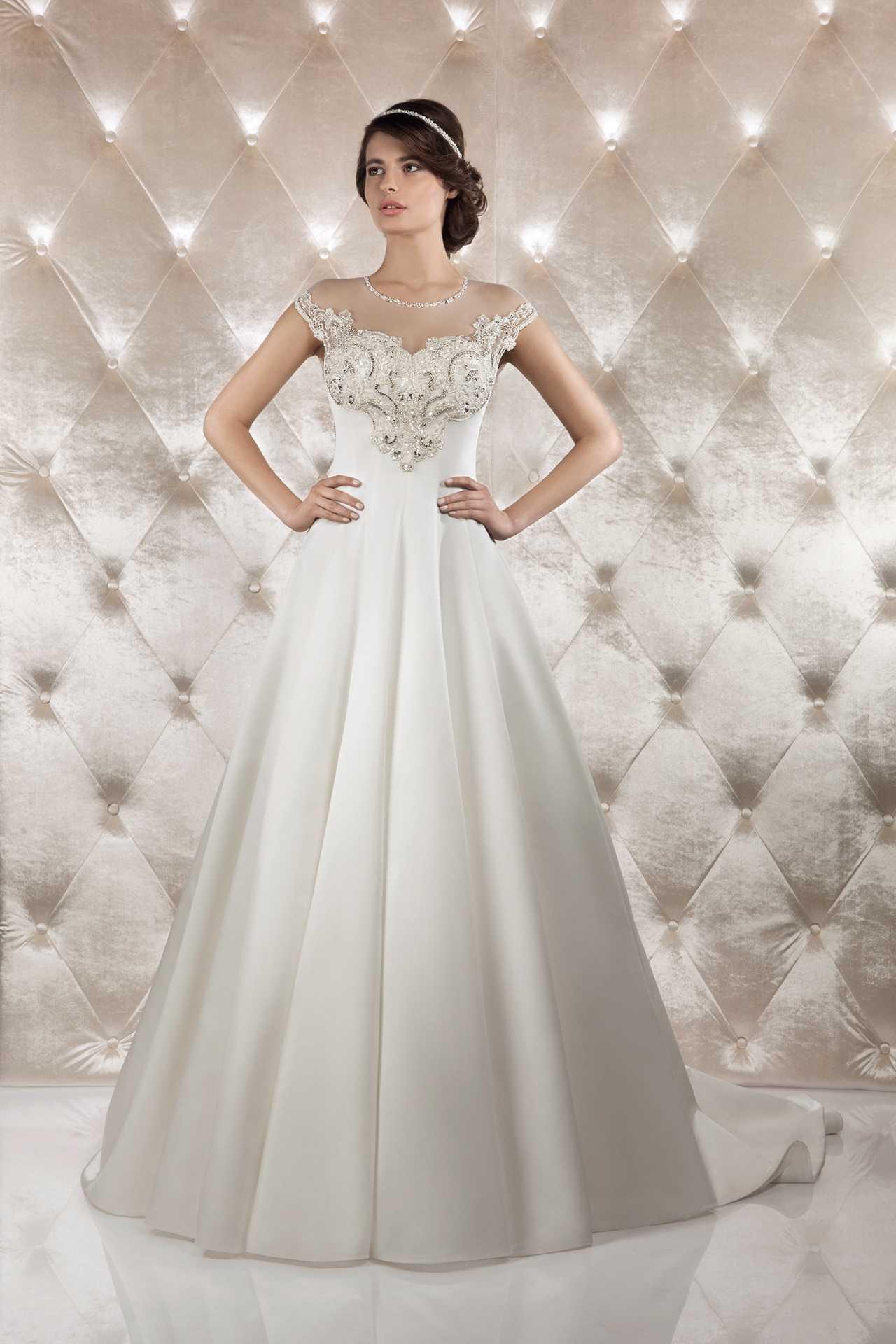Свадебные платья из атласа в спб